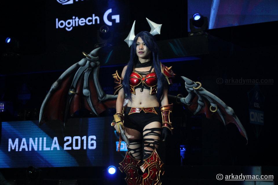 ESL-One-Manila-2016-Cosplay_0009