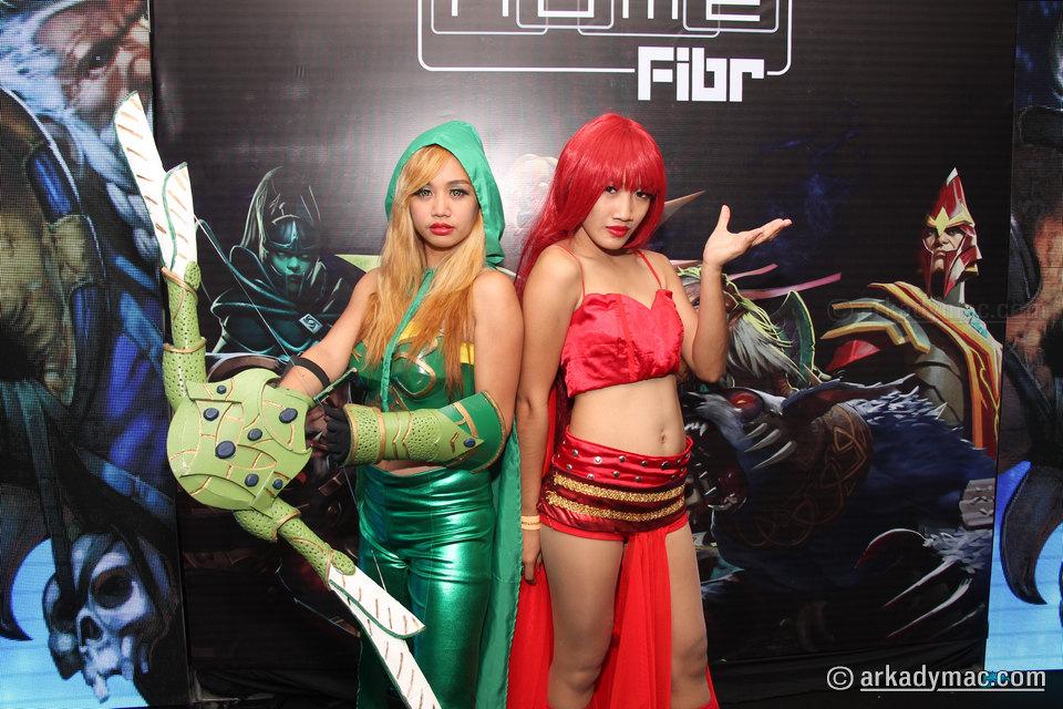 ESL-One-Manila-2016-Cosplay_0028